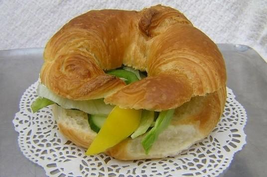 Croissant tonijn salade - Graaggedaan