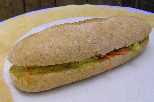 Stokbroodje wit kip/kerrie salade - Graaggedaan